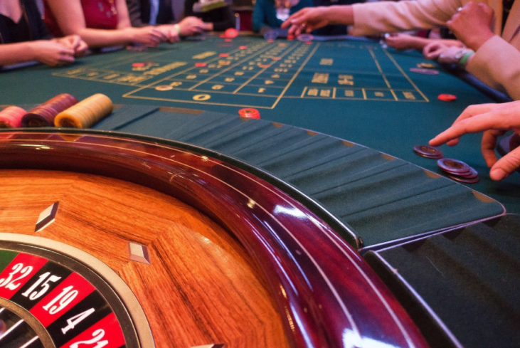 Can you really beat roulette with science? - Untamed Science
